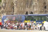El autobus solidario de la Trobada, en Barcelona