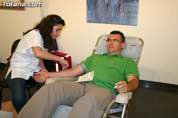 Todos los martes del mes de septiembre se realizar�n en el Centro de Salud extracciones de sangre para donaci�n y colaborar con esta labor solidaria, Foto 1
