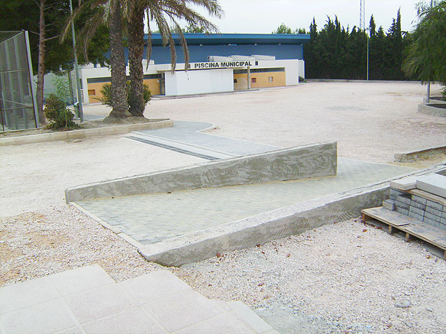 El Taller Municipal de Empleo acondiciona los accesos al Polideportivo - 1, Foto 1