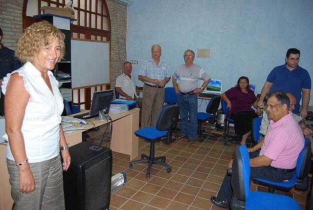 Comienzan dos cursos de informática para mayores, Foto 1