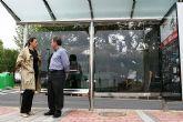 Obras Públicas instala nuevas marquesinas en Molina de Segura para mejorar el servicio del transporte público de viajeros