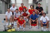 Tenistas y miembros de las selecciones de España e Israel juegan al fútbol en King's College