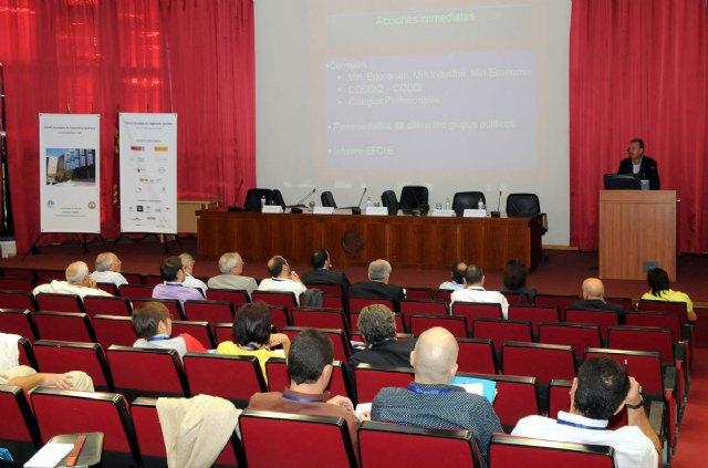 Profesores de universidades españolas debatieron sobre los estudios de Ingeniería Química en el Espacio Europeo - 1, Foto 1