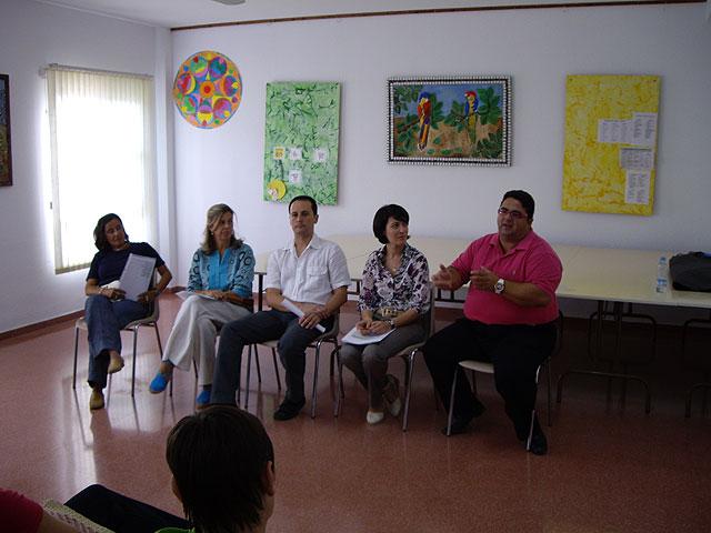 Juan Carrión se reúne con las familias cuyos hijos asisten al Centro de Desarrollo Infantil y Atención Temprana - 2, Foto 2