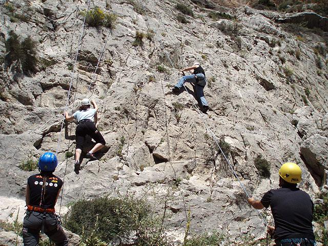 Los jóvenes de Lorquí disfrutarán de una jornada de escalada en Mula - 1, Foto 1