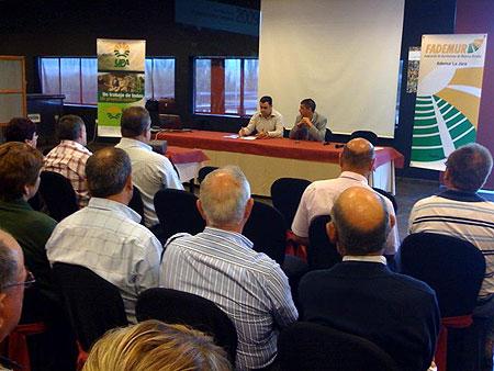 El alcalde destaca la importancia de los sectores productivos en el marco de las jornadas de Seguros agrarios, hortalizas y cultivos protegidos - 1, Foto 1