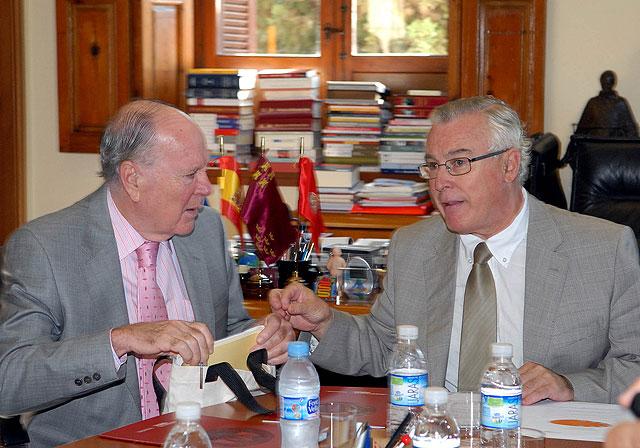 Los miembros de la comunidad universitaria tendrán acceso a la biblioteca personal de José  Luis Pardos - 2, Foto 2