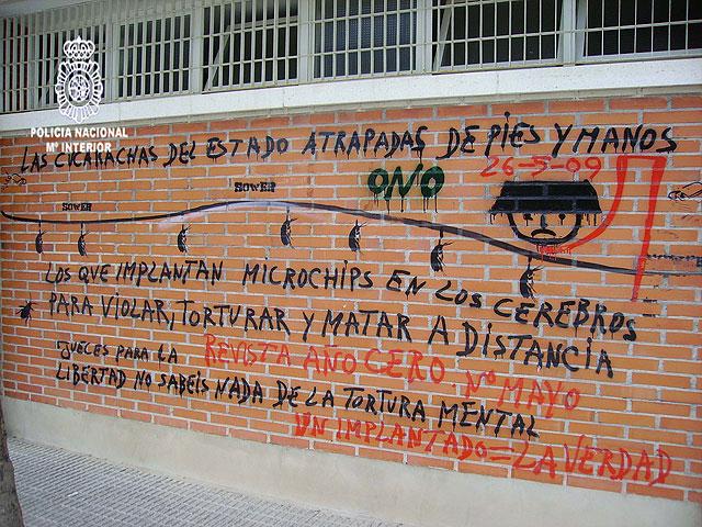 Detenido el autor de cientos de pintadas contra instituciones del Estado realizadas en las calles de Murcia - 2, Foto 2