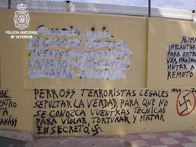 Detenido el autor de cientos de pintadas contra instituciones del Estado realizadas en las calles de Murcia - 3, Foto 3