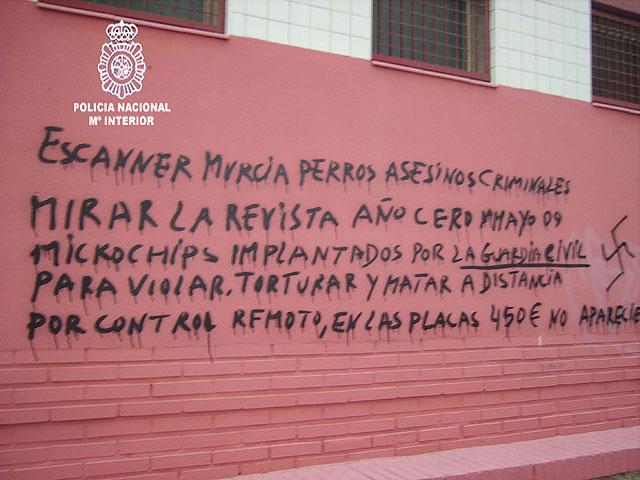 Detenido el autor de cientos de pintadas contra instituciones del Estado realizadas en las calles de Murcia - 4, Foto 4