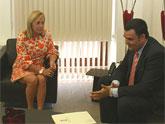 El alcalde mantiene una reunión con la consejera de Presidencia para establecer las líneas de acción para este año