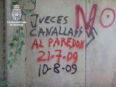 Detenido el autor de cientos de pintadas contra instituciones del Estado realizadas en las calles de Murcia
