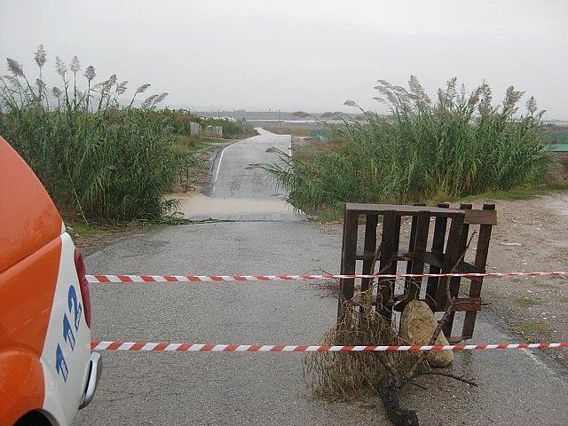 Policía Local y Protección Civil participaron el dispositivo de seguridad establecido con motivo de las lluvias caídas en Totana - 1, Foto 1