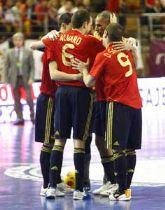Álvaro celebra su onomástica marcando dos goles con 'La Roja'