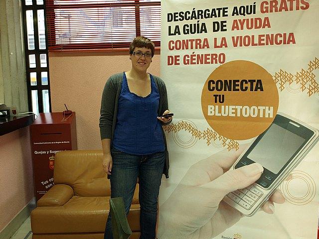 El ayuntamiento de Ceutí instala un dispositivo bluetooth, para informar sobre la violencia de género - 1, Foto 1