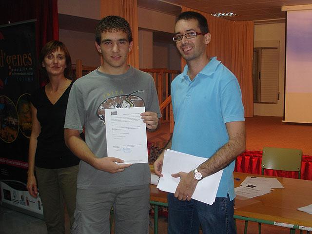 Acto de difusi�n del voluntariado en enfermedades raras en el IES Juan de la Cierva, Foto 1