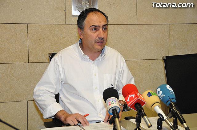 El portavoz del equipo de Gobierno, Jos� Antonio Valverde Reina, dio cuenta de los acuerdos adoptados en Junta de Gobierno y de la actualidad pol�tica, Foto 1