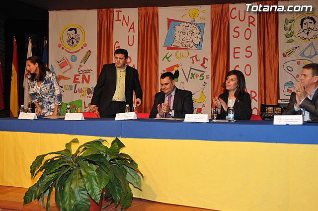 El colegio Reina Sof�a acogi� el acto oficial de la apertura del curso escolar 2009-10 coincidiendo con su 25 aniversario, Foto 1