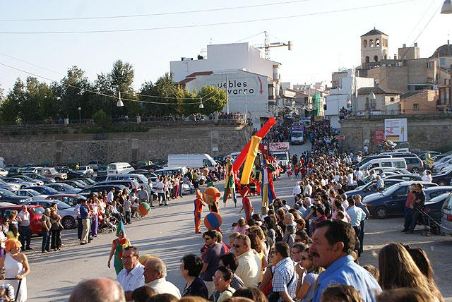 Luz y color con el tradicional Desfile de Puerto Lumbreras en el que han participado más de una treintena de carrozas y comparsas - 5, Foto 5
