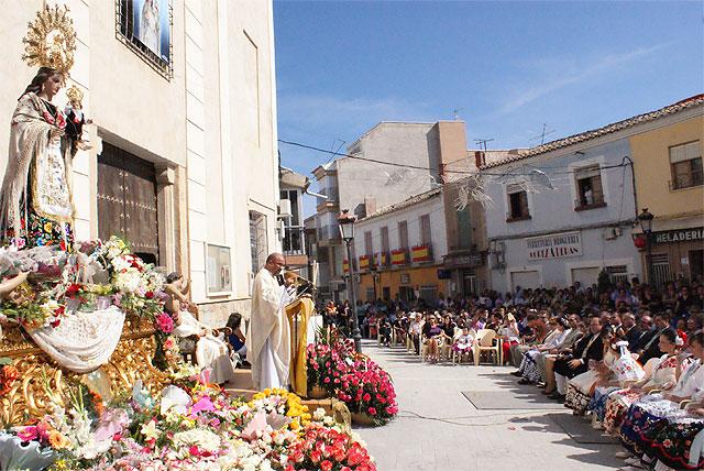 Puerto Lumbreras acoge la tradicional Ofrenda Floral y la Misa Solemne en Honor a Ntra. Sra. Virgen del Rosario - 1, Foto 1