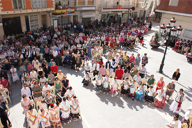 Puerto Lumbreras acoge la tradicional Ofrenda Floral y la Misa Solemne en Honor a Ntra. Sra. Virgen del Rosario - 3, Foto 3