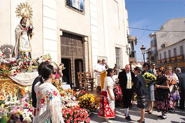 Puerto Lumbreras acoge la tradicional Ofrenda Floral y la Misa Solemne en Honor a Ntra. Sra. Virgen del Rosario - 4, Foto 4