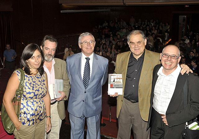 La Universidad de Murcia presentó  en la Feria del Libro sus novedades en teatro - 1, Foto 1