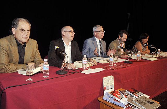La Universidad de Murcia presentó  en la Feria del Libro sus novedades en teatro - 2, Foto 2
