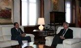 Valcárcel recibe al alcalde de Fortuna, Matías Carrillo