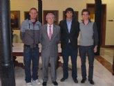 La Asociación de Alumnos de Letras se reune con el rector D. Jose Antonio Cobacho