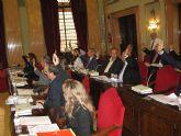 El Pleno impulsa el trabajo realizado por el Ayuntamiento y la Comunidad Autónoma para mejorar el transporte público