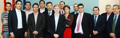 Diez empresas innovadoras de la Región comparten su experiencia con el co-fundador de 'Facebook'