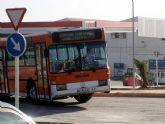 El Ayuntamiento pone en marcha desde hoy viernes un servicio gratuito de autobuses para facilitar el acceso al cementerio