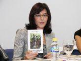 La joven archenera Silvia García Abad presenta su primer libro de poemas
