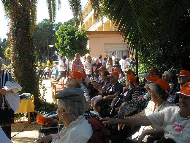"""La residencia para personas mayores """"La Pur�sima"""" y el Servicio de Estancias Diurnas para Alzheimer asisten a un homenaje al voluntario, Foto 3"""