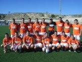 El equipo Muebles Mondrián se coloca en el segundo puesto de la Liga de Fútbol Aficionado Juega limpio, tras golear al equipo Diseños Javi