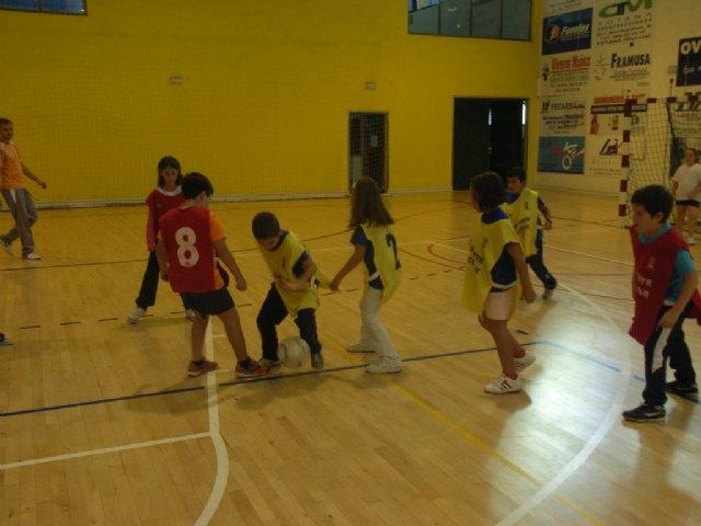 La concejal�a de Deportes organiza una jornada de multideporte benjam�n, enmarcada en los Juegos Escolares del Programa de Deporte Escolar, Foto 3