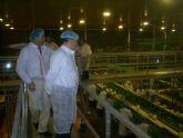 Fuentes Zorita visita una empresa agroindustrial en Dolores de Pacheco (Torre Pacheco)