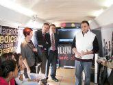El Director de Voluntariado y el Alcalde visitan el Autobús del Voluntariado que está instalado en Archena durante toda la jornada de hoy