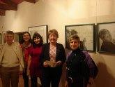 Cuatro arteteraputas trabajan la violencia de género en una exposición en el museo de San Javier