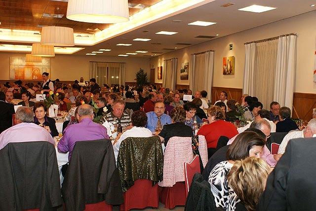 La cena benéfica de la Asociación Contra el Cáncer de Puerto Lumbreras reúne a más de 400 personas - 2, Foto 2