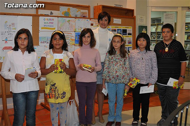 "Six children ages 4 and 5 year primary win, ""Competition VII on the rights of the child"""