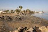 Costas y el Instituto del Litoral regeneran la arena de la playa de Los Urrutias