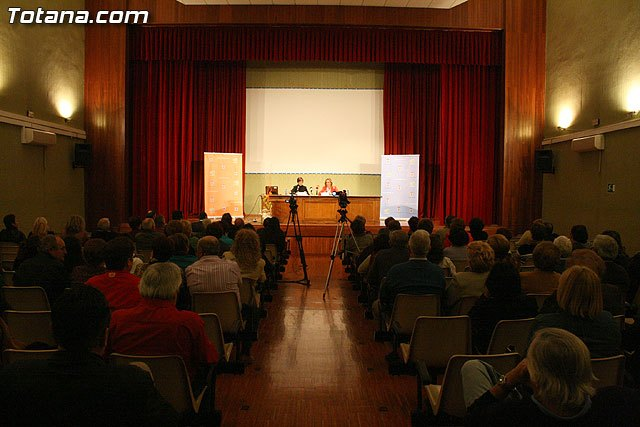 "The PSOE complained that ""the mayor spent € 1800 on a conference mitinera"""