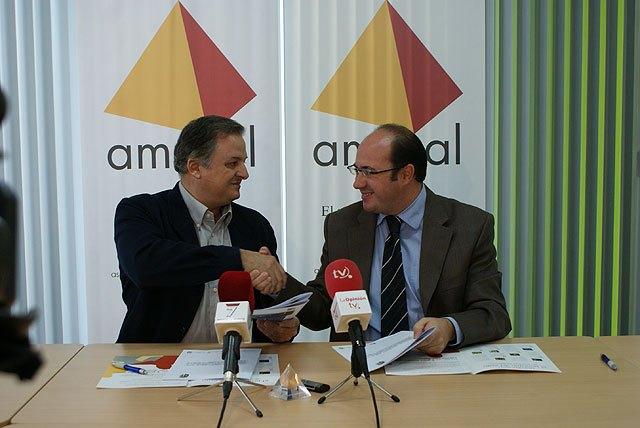 El Ayuntamiento y AMUSAL firman un convenio para incrementar el empleo local - 1, Foto 1