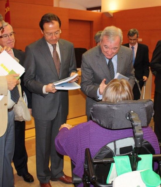 Los ayuntamientos se adhieren al Proyecto Ciudadano para fomentar el acceso al empleo público a los discapacitados - 2, Foto 2
