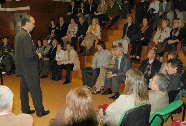 """""""Proporcionamos una formación integral que prioriza competencias sobre meros conocimientos"""" - 1, Foto 1"""