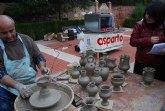 """Los visitantes al """"Mercado Artesano de La Santa"""" pudieron degustar los dulces navideños artesanales elaborados por ASPARTO"""