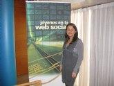 Juventud analiza la utilización de las redes sociales por los jóvenes