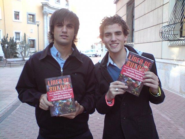 1000 libros por el fomento de la lectura en la Facultad de Letras - 1, Foto 1